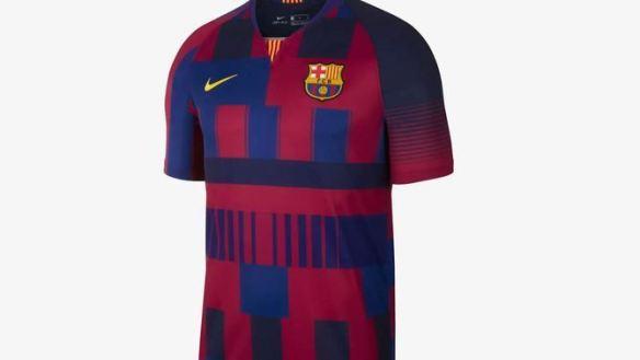 Esta camiseta no se lucirá en ningún partido oficial del Barça pero estará  a la venta a partir del 21 de noviembre. Nike sustituyó a Kappa como  proveedor de ... 7e7e9ba304a